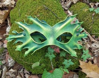 Pin Oak Leaf Green Man Mask in Green