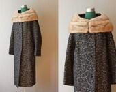 Vintage Coat / 1950s Blonde Mink Collar Coat
