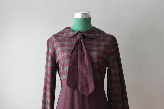 ON RESERVE 1960s Peter Pan Collar Tie Neck Dress