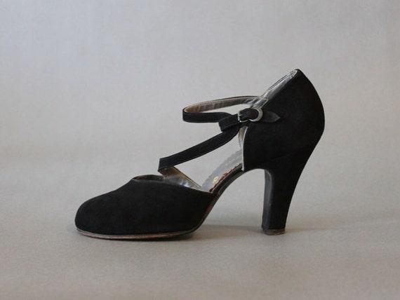 Vintage Shoes / 1940s Strappy Black Heels / Black 40s Shoes