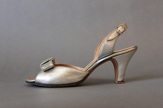 ON RESERVE Vintage Shoes / 1950s Silver Sparkle Bow Heels / Vintage 50s Open Toe Shoes