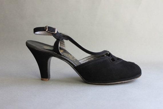 Vintage Shoes / 1940s Peeptoes / 40s Black Suede Heels