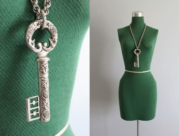 Vintage Necklace / 1960s Goldette Key Necklace / Oversized Statement Necklace