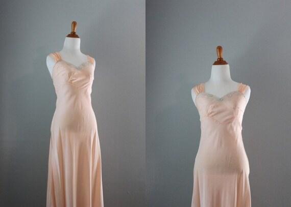1930s Lingerie / 30s 40s Bias Cut Boudoir Gown / 1940s Slip