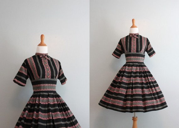 Vintage 50s dress / 1950s Down Argentine Way Dress / Bow Neck Dress