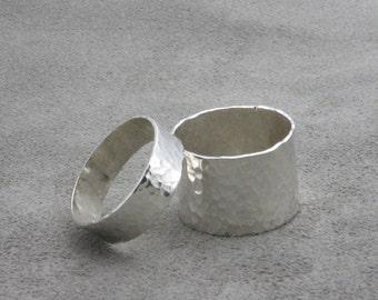 Handmade Hammered Wedding Ring Set