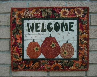 Quilted Welcome Wall Hanging - Pumpkins (TGWLD)