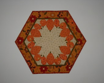 Quilted Table Topper - Pumpkins (TGTTH)