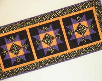 Quilted Star Table Runner - BOO (HTRD)