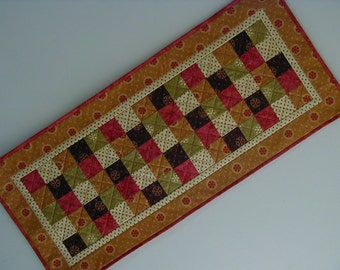 Quilted Table Runner - Five Patch (EDTRO)