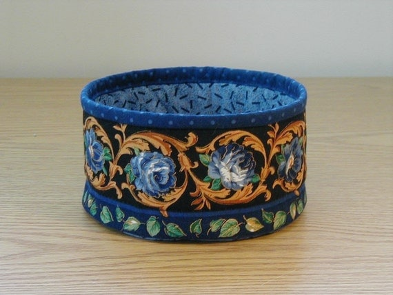 Quilted Bowl - Blue Roses (EDbowlF)