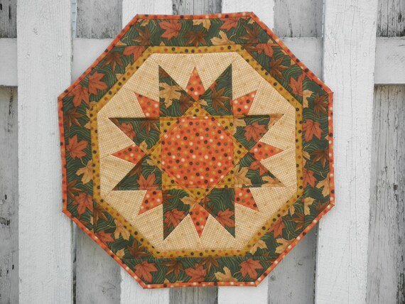 Quilted Sun Burst Table Topper - Autumn Leaves (TGTTN)