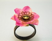 Ring Recycled Flower and Wire Crochet- Cocktail Ring - ligiarocha