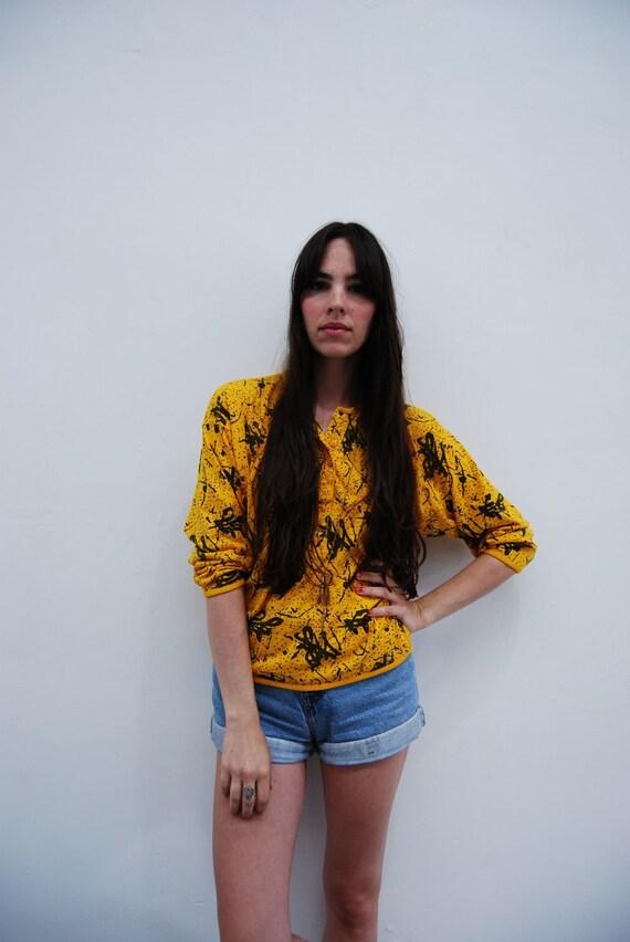 1990s Mustard Yellow Splatter Paint Shirt Size S