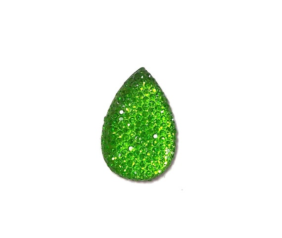 Teardrop cabochon 30x20mm in faceted green