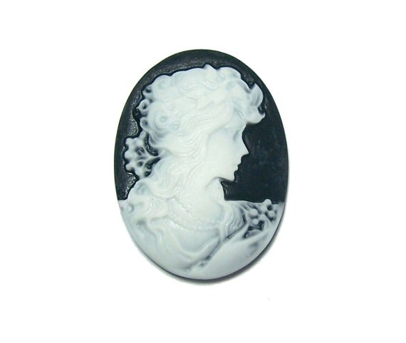 SALE Resin Cameo oval cabochon black with lady silhouette 29x39mm