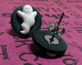 boo to you button and ghost halloween earrings
