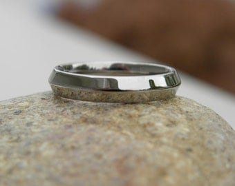 Titanium Ring or Wedding Band, Knife Edge, Polished