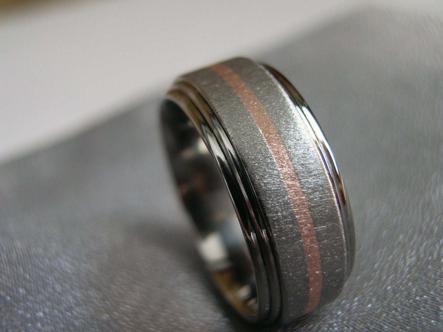 titanium ring gold inlay stepped by