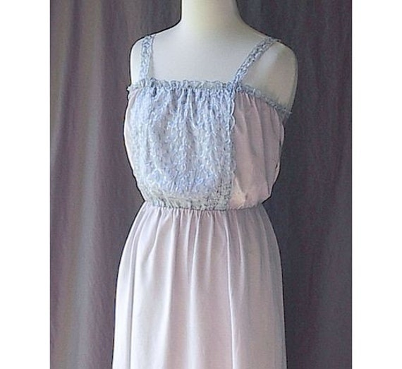 50s Vintage Acetate Nightgown Pale Lilac with Blue Embroidery Schrank's 38 M