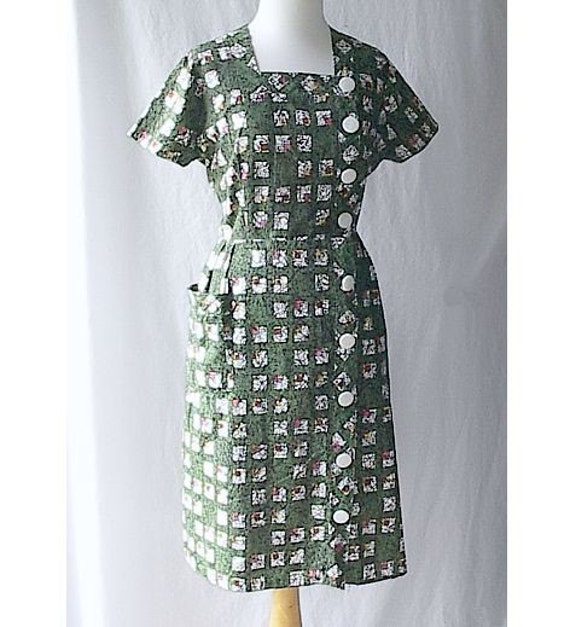 Cute Vintage 60's Big Button Day Dress Green Print Cotton Square Neckline M L
