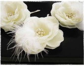 Single Small Bridal ivory hair flower with Pearls and Feathers, Wedding Headpiece