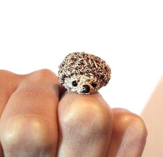 Amigurumi Adjustable Ring : Crochet wire brown hedgehog adjustable ring