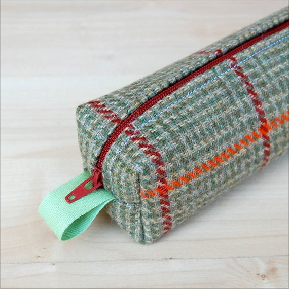Plaid Wool Sm CA Roll (makeup or pencil case)