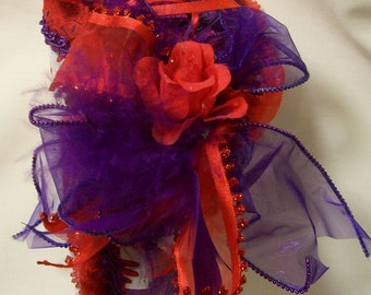 Red Hat Society Purple and Red Scissor Holder