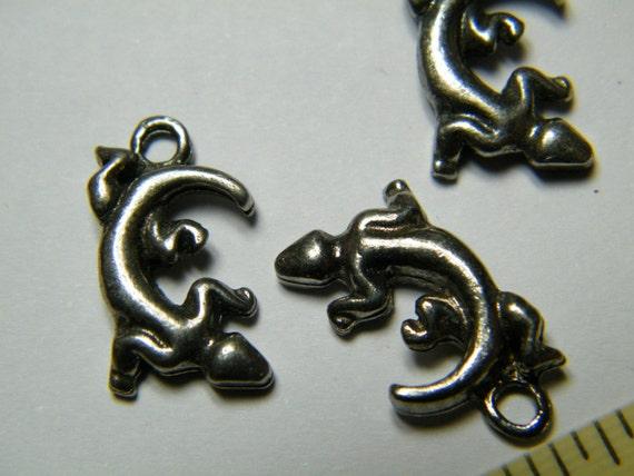 Lizard Charms: 3 dark pewter lizard/gecko charms, supplies