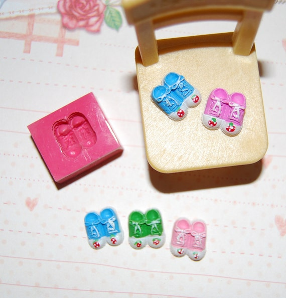 Micro pair of shoes Mold/Mould for Resin, Polymer clay & Air dry Clay 1,2 cm x 1,1 cm