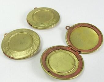 Vintage Round Brass Locket with Recess - Raw Brass (3)