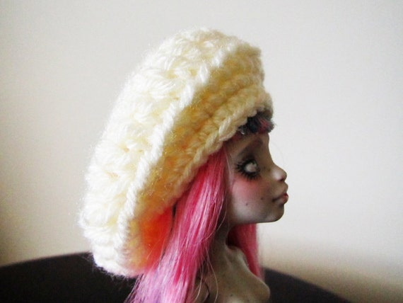 Monster High - Lati Yellow - Pukifee - 5/6 BJD Doll Crochet Slouchy Hat - Cream