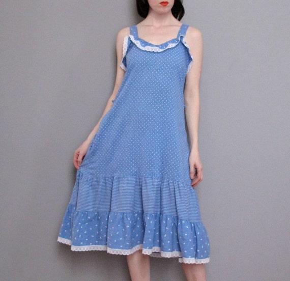 s a l e  vintage CHAMBRAY polka dot sun dress S M