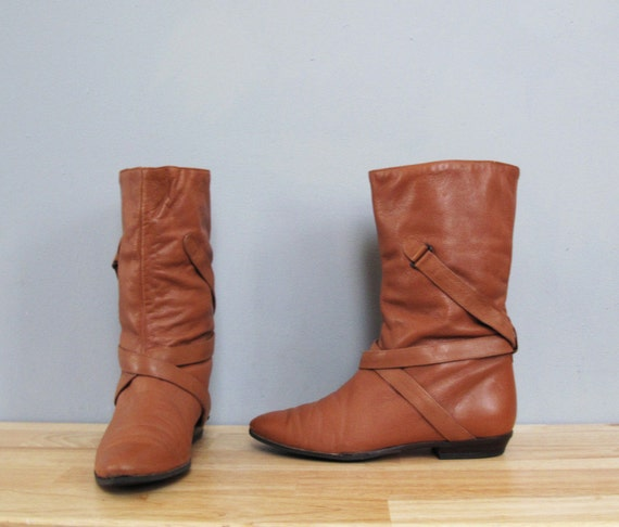 vintage HONEY BROWN flat boots w/ straps 8