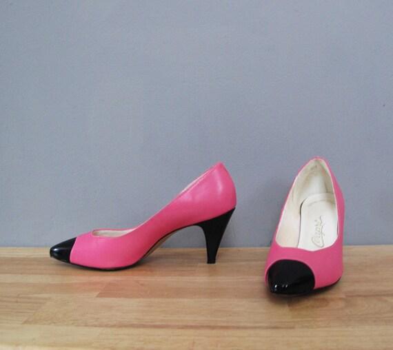 s a l e vintage NEON PINK two tone black heels 6.5 - 7