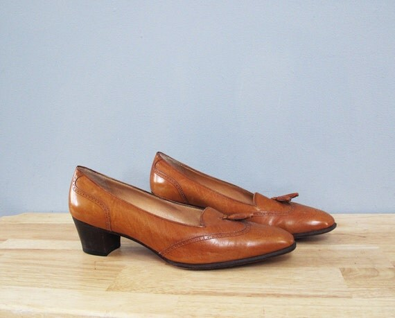 RESERVED for thiscouldbeyou vintage FERRAGAMO toffee leather tassel heels 10 B