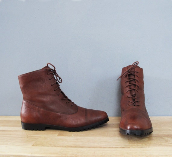 vintage BROWN lace up leather flat boots 10