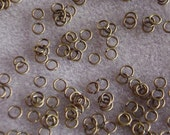 Antique Bronze 4mm Jump Rings 611