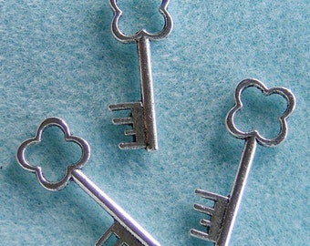 Tibetan Silver Key Charms 12mm x 33mm Lead Free 520