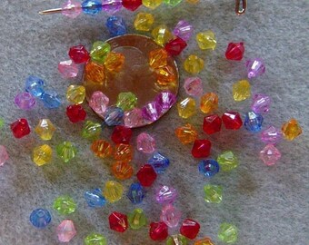 Clearance SALE Transparent Faceted Lucite Acrylic Bicone Beads 5mm 822