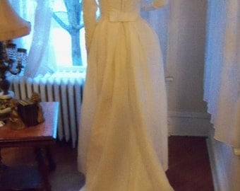 Reduced For Quick sale   Vintage 50s Butter Cream White Wedding Gown With Pearls