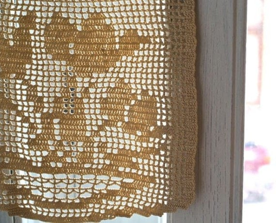 vintage crochet tulip flower panel