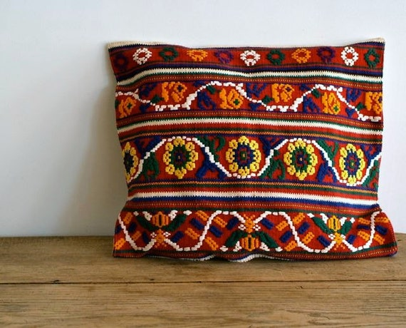 Vintage Folk Art Embroidered Pillow Cover from 5gardenias