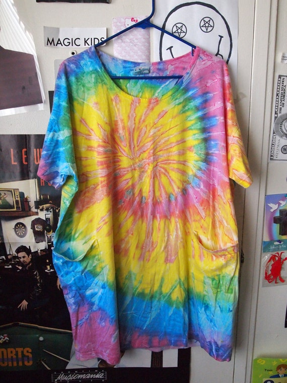 TIE DYE Sun Dress// Vintage 90s Baggy Colorful Lightweight Dress with Pockets, One Size