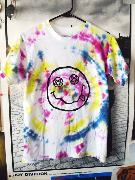TEEN SPIRIT// Vibrant Tie Dye Nirvana Smiley Inspired Shirt, with Pentagram Eyes XS