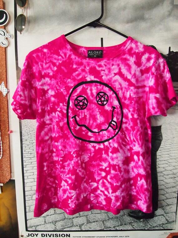 TEEN SPIRIT// Magenta Tie Dye Nirvana Smiley Inspired Shirt, with Pentagram Eyes Babydoll L
