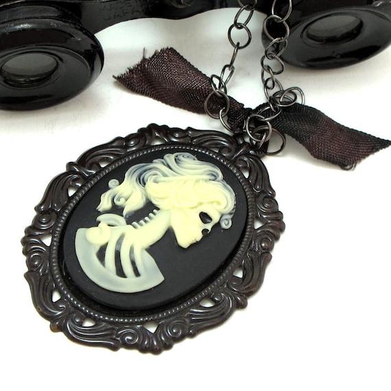 Captain Jacks Ex Girlfriend Large Necklace Cameo Skull Gothic Noir Designed By Mystic Pieces