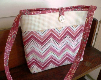 CLEARANCE - Casual Quilted Purse-Coral and Maize ZigZag Fun