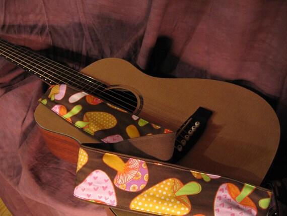 Vegan Guitar Strap- Funky Mush Pattern